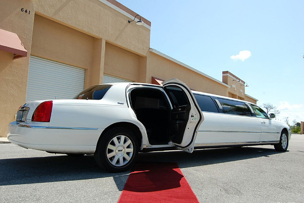 Lincoln Stretch Limo Irvine